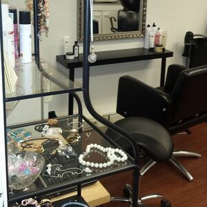 Charme Salon image 2
