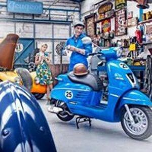 Moped image 2