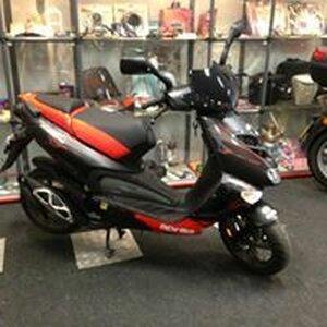 Moped image 5
