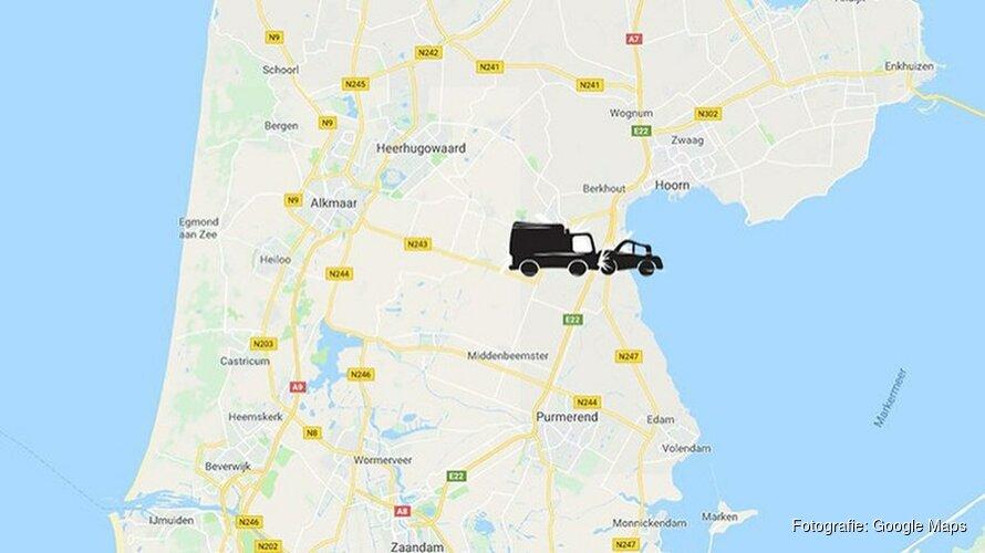Ongeluk met vrachtwagen op de A7: weg richting Hoorn nog uren dicht