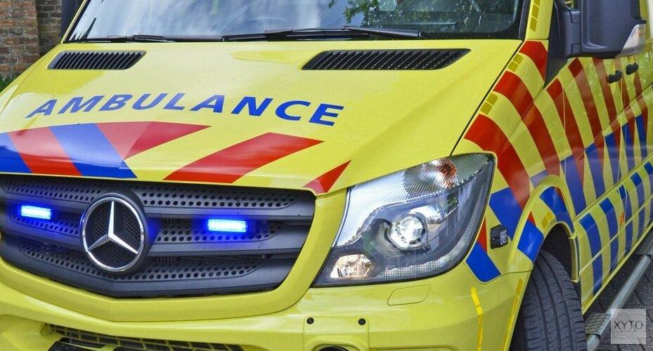 Fietser geschept door auto: bestuurder mogelijk doorgereden