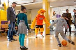 Scoor een Boek! Experience; voetbal activiteiten in de Bibliotheek
