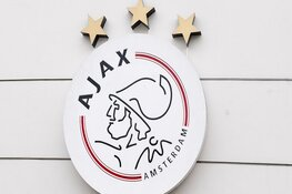 Ajax contracteert Calvin Raatsie