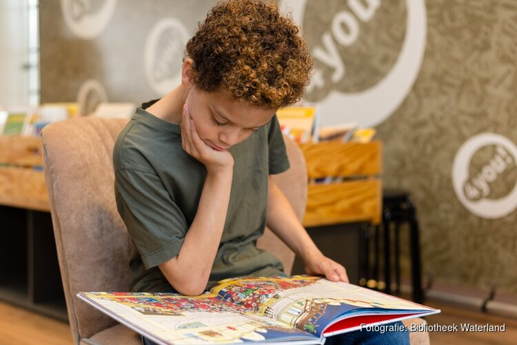 Het Makkelijk lezen plein van de Bibliotheek maakt lezen leuk