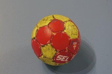 Garage Kil/Volendam promoveert naar Eredivisie na terugtrekking Dalfsen