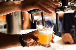 Ondernemers Edam-Volendam krijgen waarschuwing voor alcoholverkoop aan minderjarigen