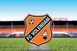 Aanvoerder Micky van de Ven voorkomt zeperd voor Jong FC Volendam