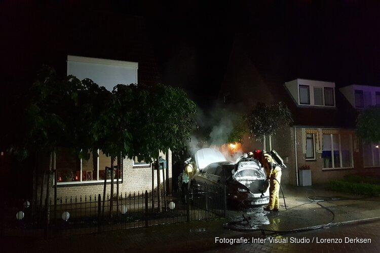 Auto in brand in Oosthuizen