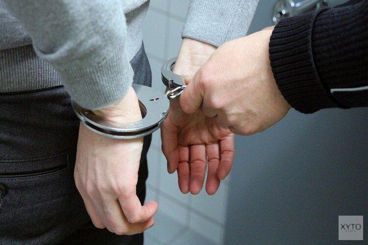 Twee aanhoudingen na doorzoekingen Purmerend en Volendam