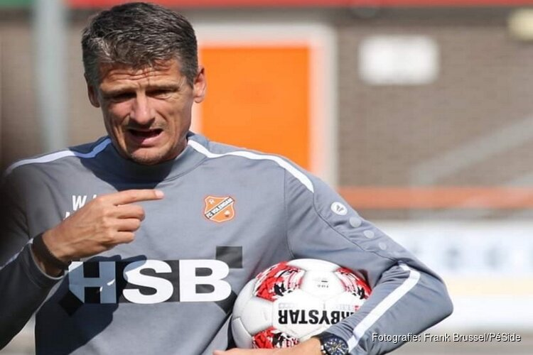 Trainer Wim Jonk verlengt contract bij FC Volendam