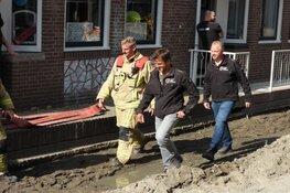 Waterleiding in Volendam geraakt, drie huizen ondergelopen