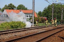 Brand langs spoorlijn in Oosthuizen